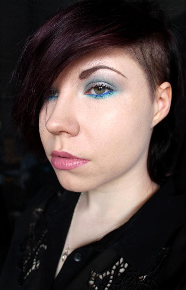 MAC_Creme_Cup_lipstick_1