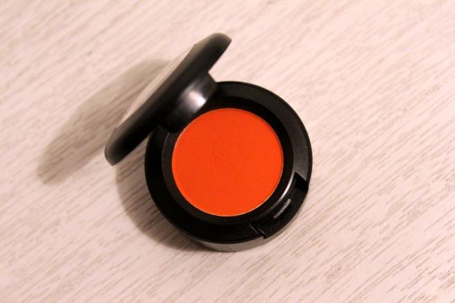 MAC_Orange_luomiväri_1