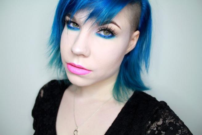sininen_silmämeikki1
