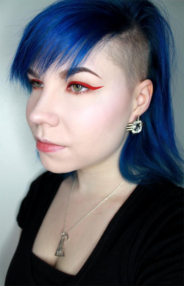 retro_matte_liquid_eyeliner_2